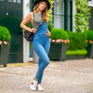 H&M Distressed Skinny Jeans Overalls